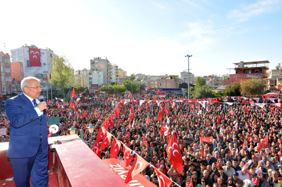 Tarsus'ta MHP'nin Zafer Yürüyüşü
