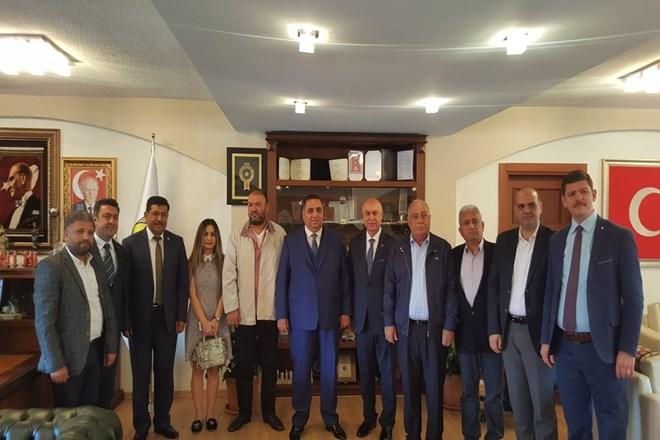 Tarsus Ticaret Borsası Yönetimi ve Meclisi, Başkan Can'ı Ziyaret Etti
