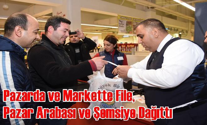 Başkan Can, Pazarda Ve Markette File, Pazar Arabası ve Şemsiye Dağıttı