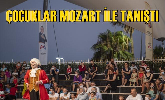 """""""Bu Ne Biçim Mozart!"""" İsimli Anlatımlı Konserde Çocuklar Mozart İle Tanıştı"""