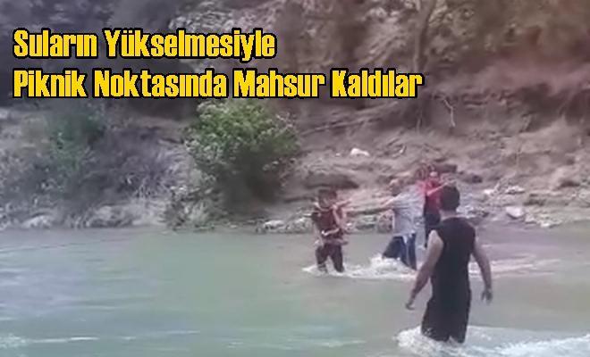 Suların Yükselmesiyle Piknik Noktasında Mahsur Kaldılar
