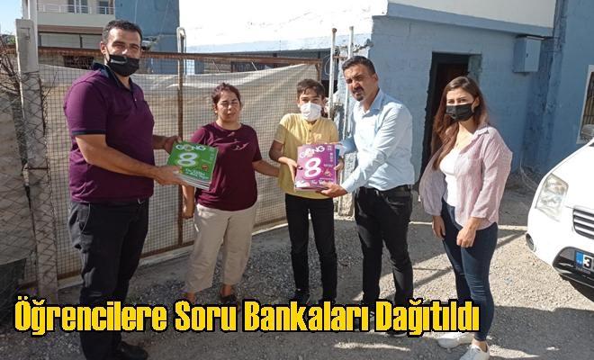 Öğrencilere Soru Bankaları Dağıtıldı