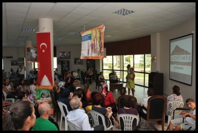 Alzheimer Günü Tarsus'ta Unutulmadı